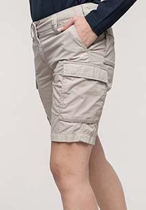 Ladies' lightweight multipocket bermuda shorts