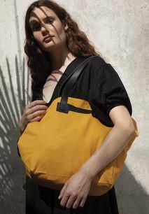 Handbag with leather handles