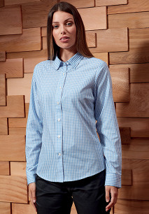 Large-check gingham shirt
