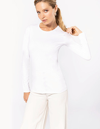 Ladies long-sleeved crew neck t-shirt