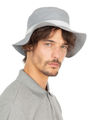 Hat with wide hems